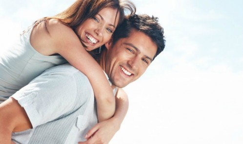 Man-and-Woman-Hugging-in-Loving-Relationship1