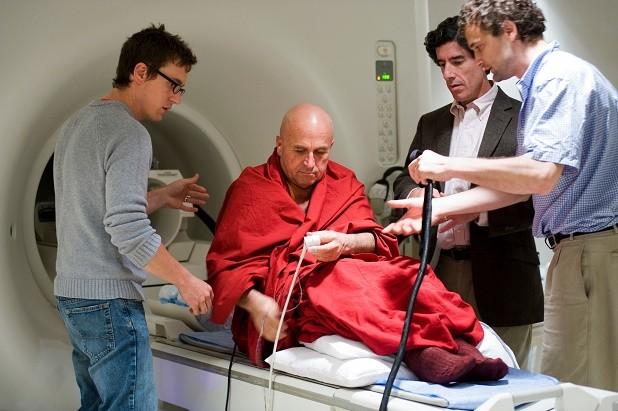 تاثیر متفاوت مراقبه بر شبکه های مغزی مراقبه کنندگان کهنه کار و نوآموز